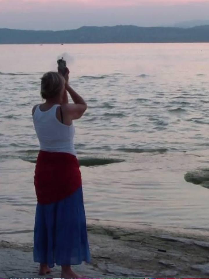 carlita moon mother danza del fiore del cuore